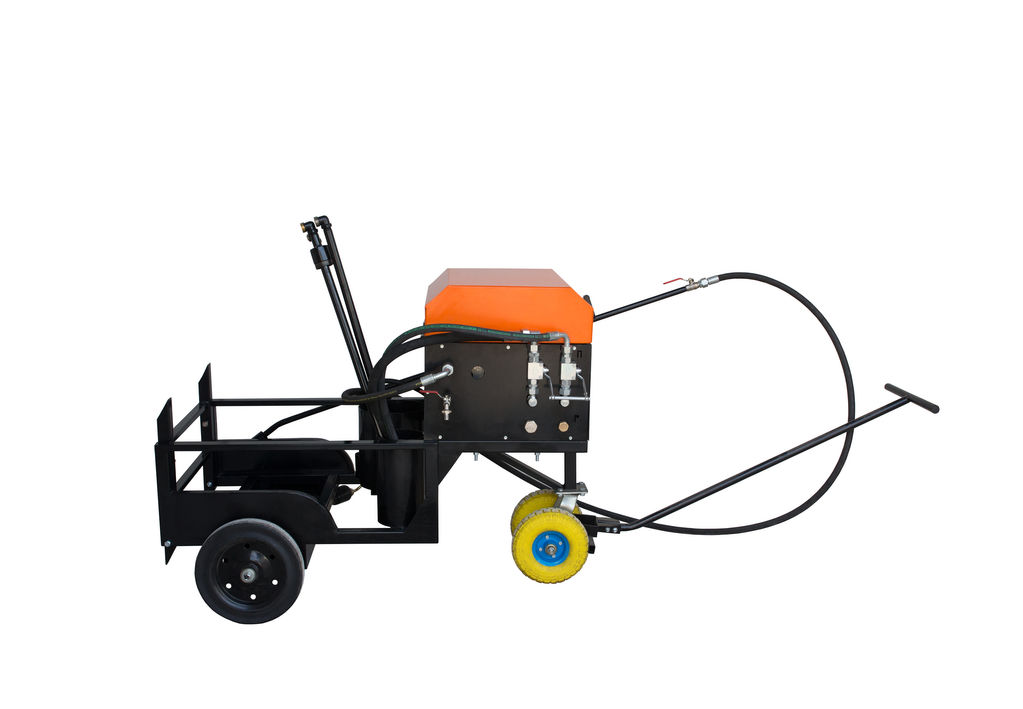 новый автогудронатор Skrapiarka do emulsji bitumicznej / Asphalt Sprayer Ticab BS-200