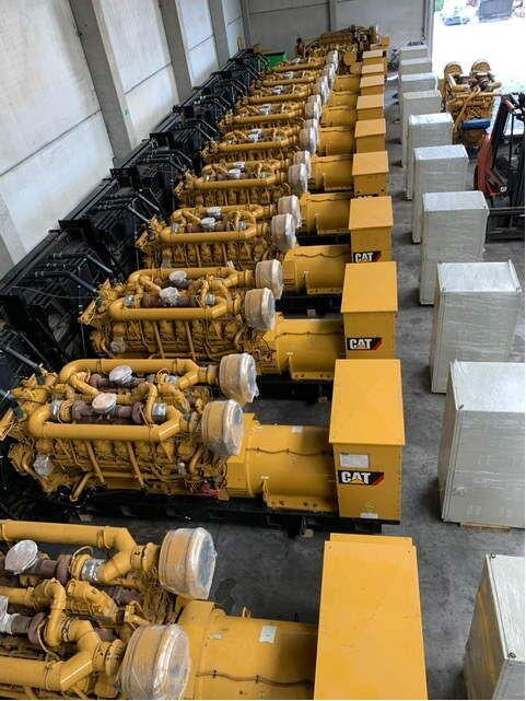 новый двигатель CATERPILLAR 3516B для другого генератора CATERPILLAR 3516B diesel genset